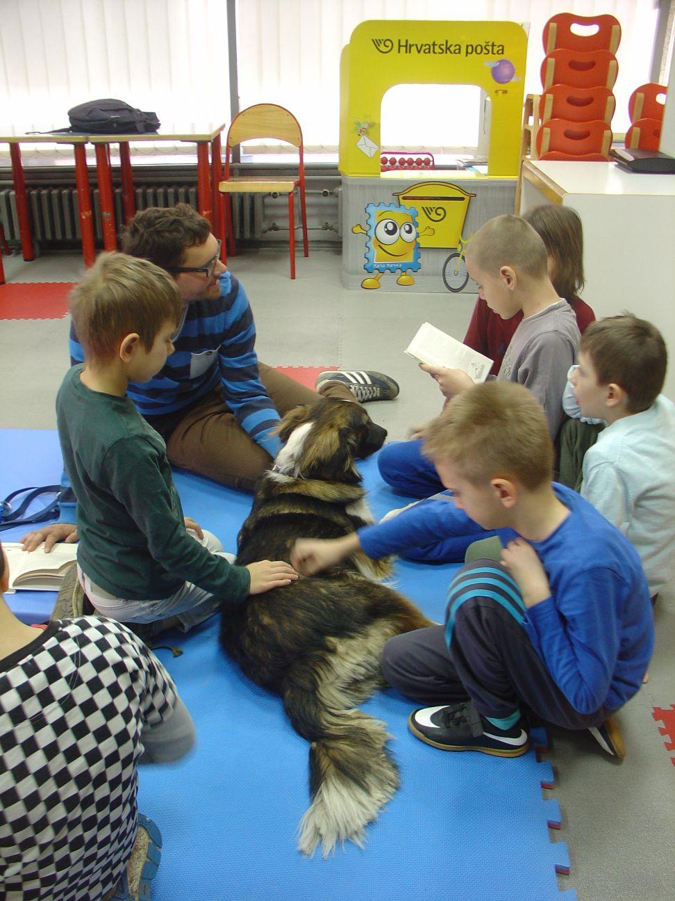 DK Marin Držić_Mara i mali čitači